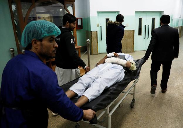 Más de 40 muertos en ataques contra edificios del Gobierno de Kabul
