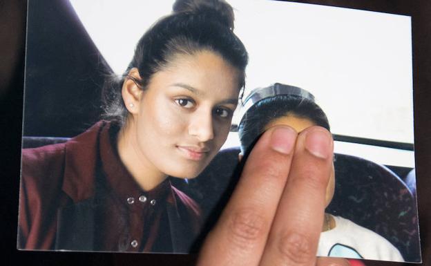 Reino Unido le quitará nacionalidad a joven madre que pidió clemencia después de unirse al EI