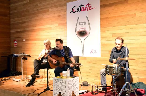 Catarte arranca con vino y blues