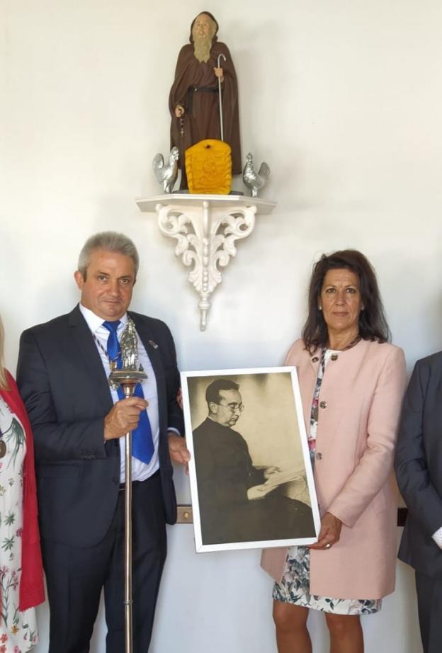 La cofradía llevó a la parroquia de El Palmar la imagen de Santo Domingo - La Rioja